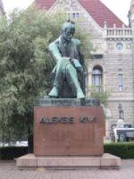 Aleksis Kivi szobra